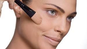 Dicas básicas de como fazer uma maquiagem natural e moderna